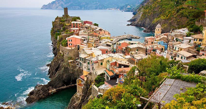 zbor,avion,bilet,ieftin,vacanta,cinque terre,italia,travelator