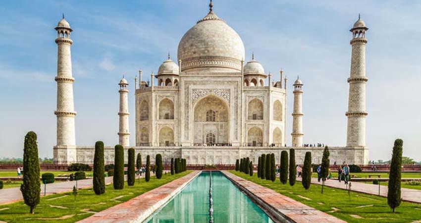 zbor,bilet,avion,ieftin,delhi,india,travelator