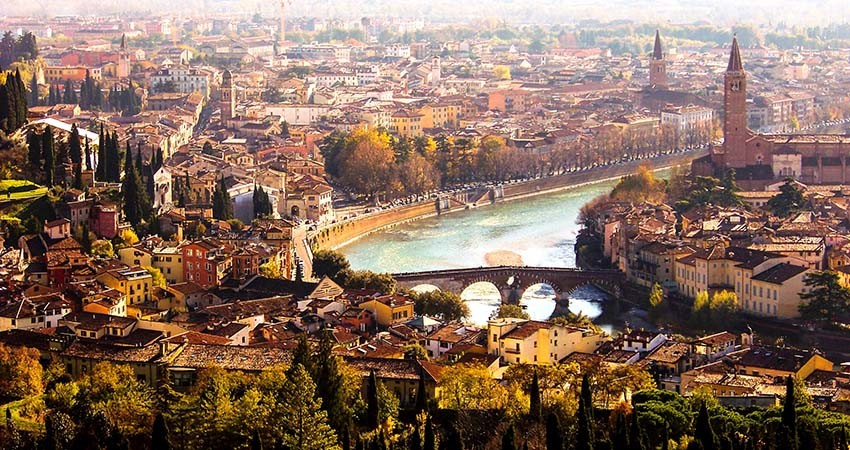 zbor,bilet,ieftin,avion,vacanta,cazare,verona,italia,travelator