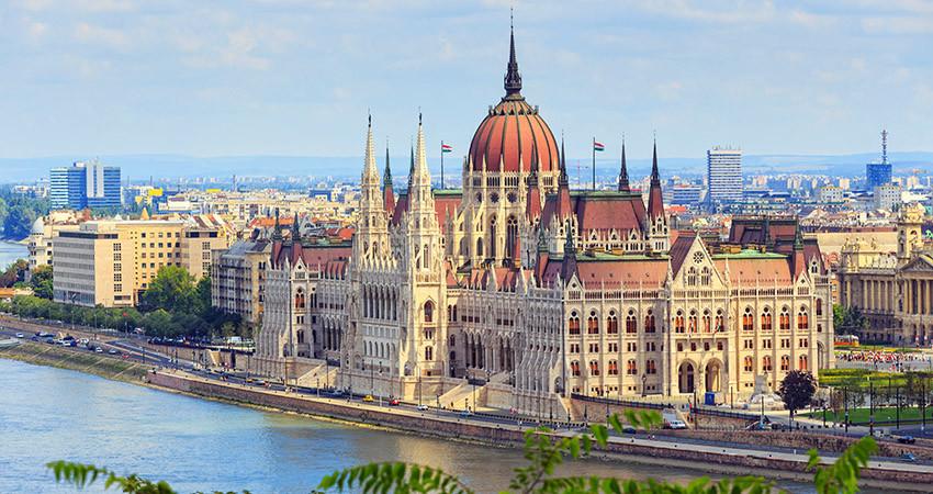 zbor,bilet,avion,ieftin,vacanta,cazare,budapesta,ungaria,travelator,city break
