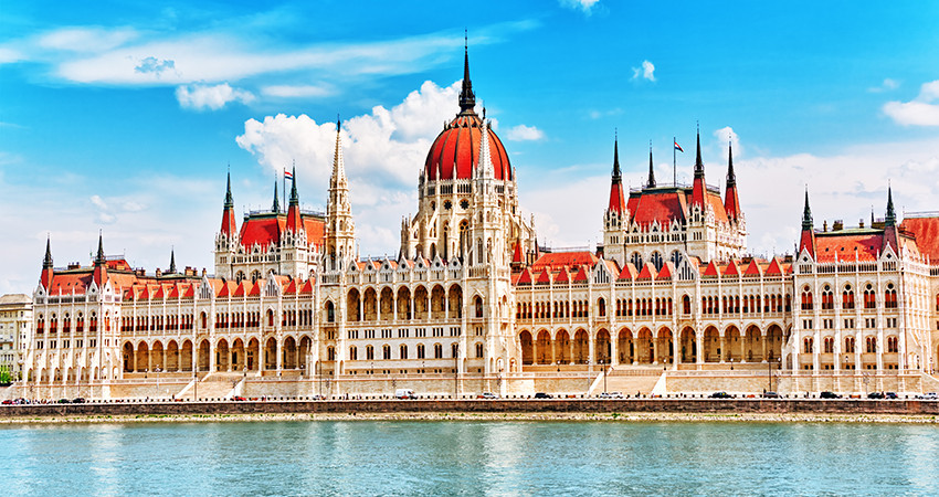 zbor ieftin, cazare ieftina, city break ieftin, vacanta ieftina, low cost, diy, travelator.ro, budapesta, ungaria, pont calatorie, city break budapesta