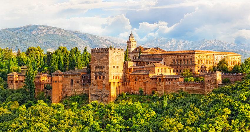 zbor ieftin, vacanta ieftina, travelator.ro, diy, pont, granada, alhambra, andaluzia, spania, malaga