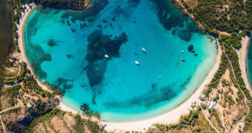 15 insule, travelator.ro, ponturi calatorie, zboruri si vacante ieftine, vacante ieftine, zboruri ieftine, diy, corsica
