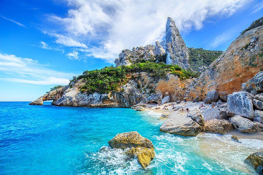 15 insule, travelator.ro, ponturi calatorie, zboruri si vacante ieftine, vacante ieftine, zboruri ieftine, diy, sardinia