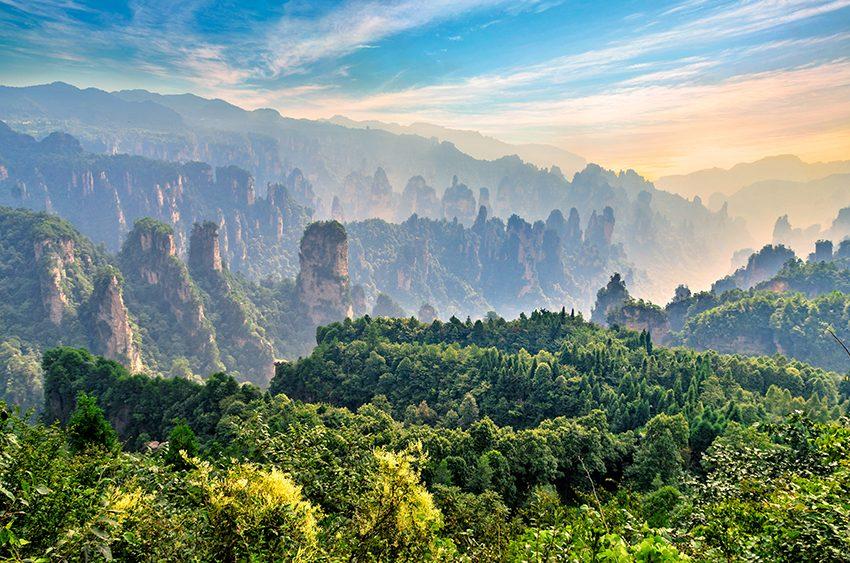 10 locuri, travelator.ro, pont calatorie, locuri spectaculoase, vacanta 2017, zhangjiajie