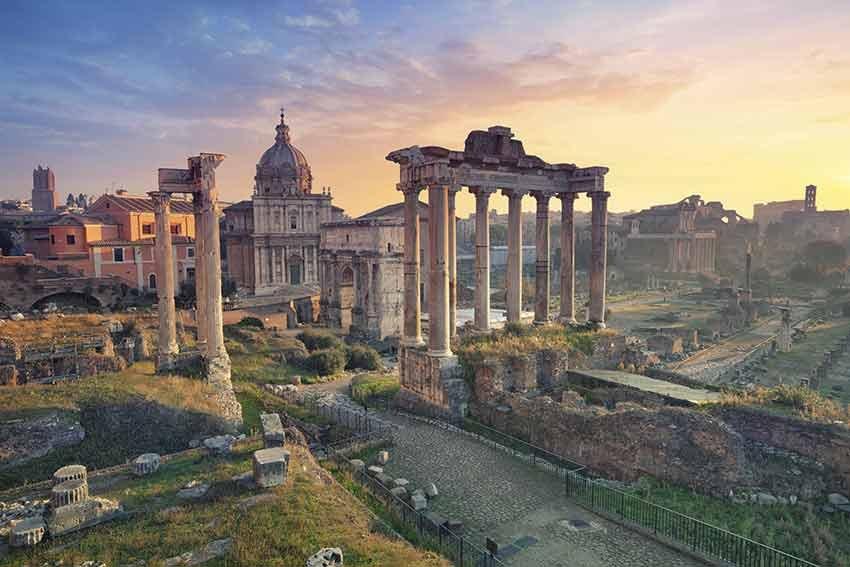 ghid travelator, ce sa nu ratezi, ce sa nu ratezi in roma, roma, italia, travelator.ro, ghid vacanta, zboruri si vacante ieftine, colosseum, pantheon, piata navona, fantana trevi, piata sf petru, basilica sf petru, capela sixtina, piata venetia, forumul roman, dealul palatin si muzeul palatin, vatican, castelul sant'angelo, piata spania, treptele spaniole,