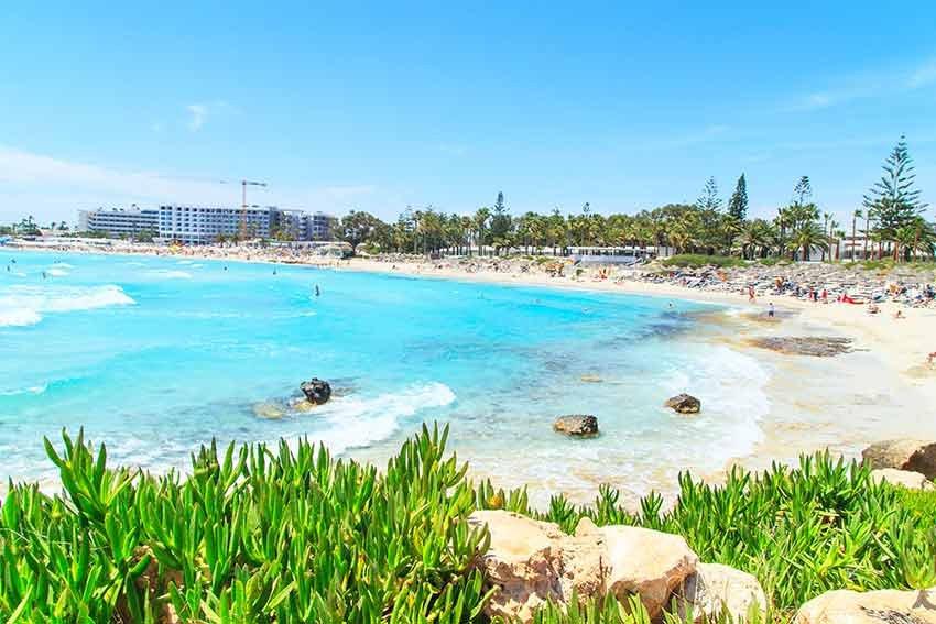 cele mai frumoase plaje, plaje europa, travelator.ro, ponturi vacanta, calatorii, zboruri si vacante ieftine, nissi, ayia napa, cipru