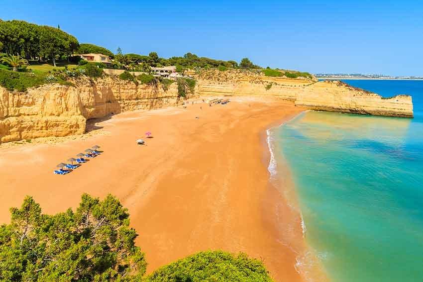 cele mai frumoase plaje, plaje europa, travelator.ro, ponturi vacanta, calatorii, zboruri si vacante ieftine, armacao de pera, algarve