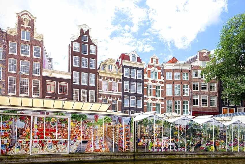 zboruri si vacante ieftine, ghid travelator, ghid amsterdam, amsterdam, olanda, ce sa nu ratezi, ce sa nu ratezi in amsterdam, ponturi vacanta, calatorii, travelator.ro, piata de flori