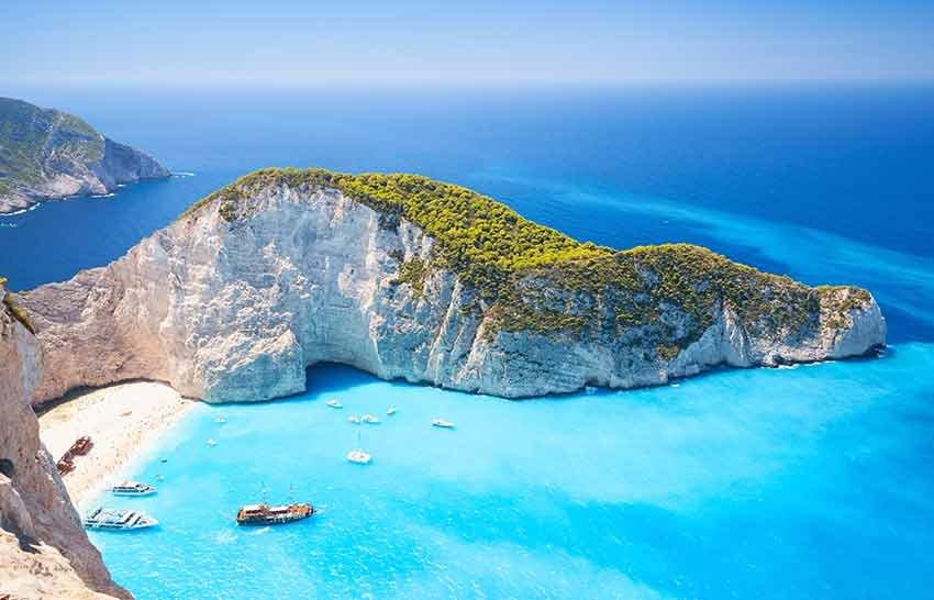 cele mai frumoase plaje, plaje europa, travelator.ro, ponturi vacanta, calatorii, zboruri si vacante ieftine, navagio, zakynthos