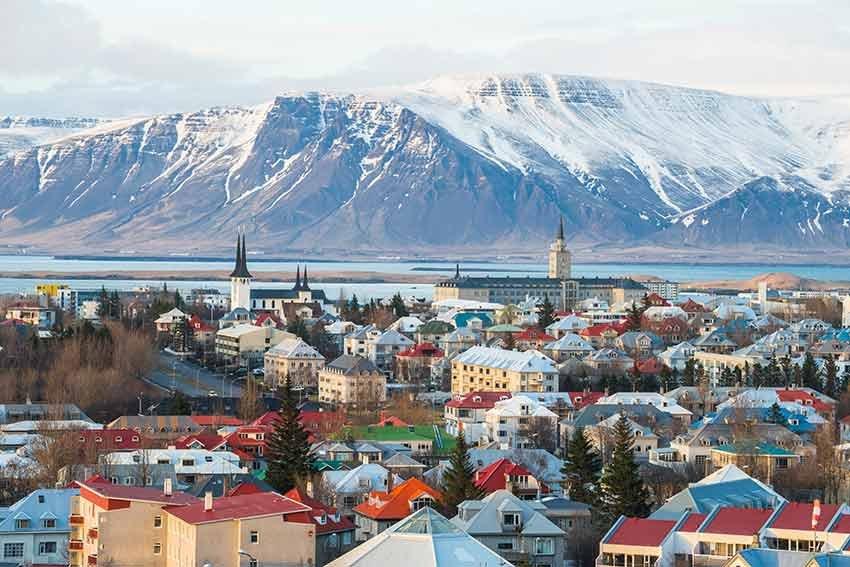 destinatii in care poti merge singur, travelator.ro, ponturi vacanta, tari de vizitat singur, reykjavik, islanda