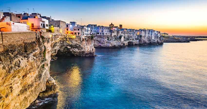 zboruri ieftine, vacante ieftine, travelator.ro, ponturi, calatorii, puglia, polignano a mare, italia, plaja